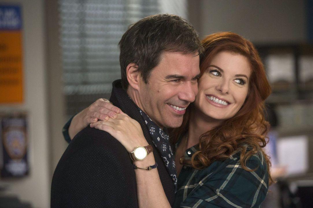 Was läuft zwischen Andrew (Eric McCormack, l.) und Laura (Debra Messing, r.)? - Bildquelle: Warner Bros. Entertainment, Inc.
