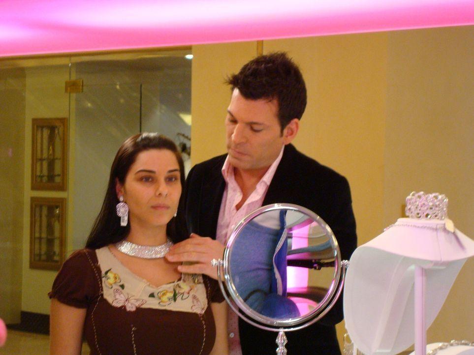 Braut Caroline aus Brooklyn liebt alles, was funkelt und glitzert. Ihre Hoch... - Bildquelle: Pilgrim Studios 2009