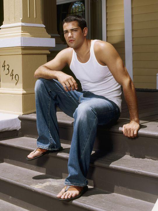 (1. Staffel) - Der minderjährige John (Jesse Metcalfe) lässt sich von Gabrielle ins Liebesleben einführen ... - Bildquelle: Touchstone Pictures