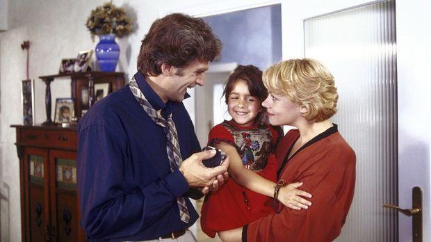 Noch sind die Wolters eine glückliche Bilderbuchfamilie: Nina (Sophie Pflügle...