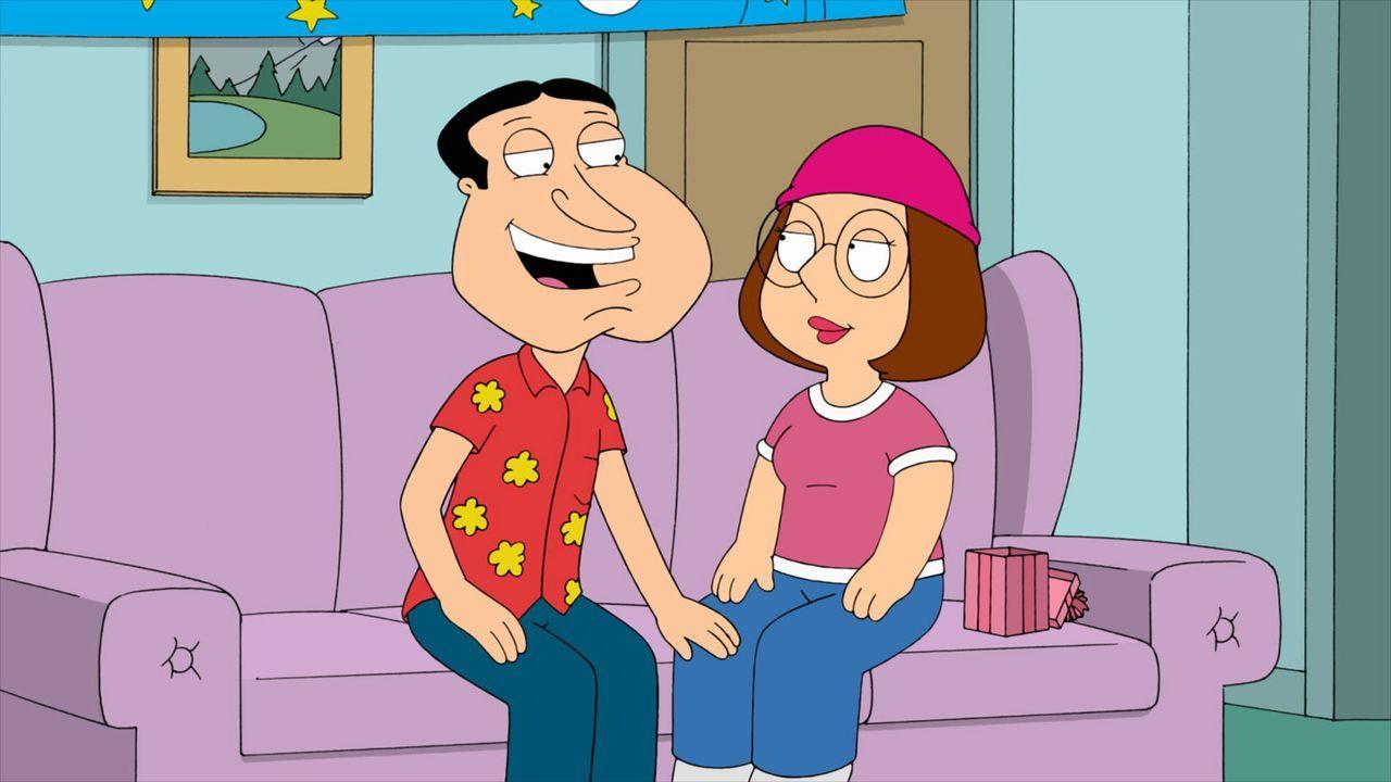 Als Meg (r.) endlich 18 wird, startet Quagmire (l.) eindeutige Annäherungsversuche ... - Bildquelle: 2011 Twentieth Century Fox Film Corporation. All rights reserved.