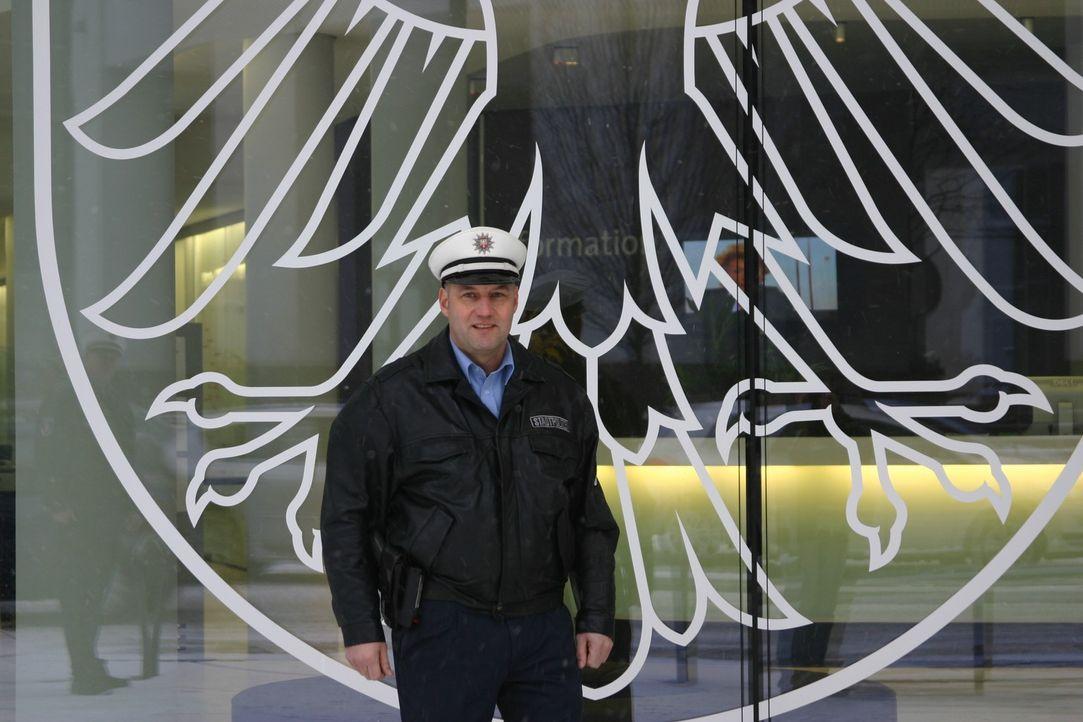 In Frankfurt am Main werden Drogen auf offener Straße konsumiert. Ein hartes Pflaster für die Stadtpolizisten Christian Pysch und Manuel Seyfried... - Bildquelle: kabel eins
