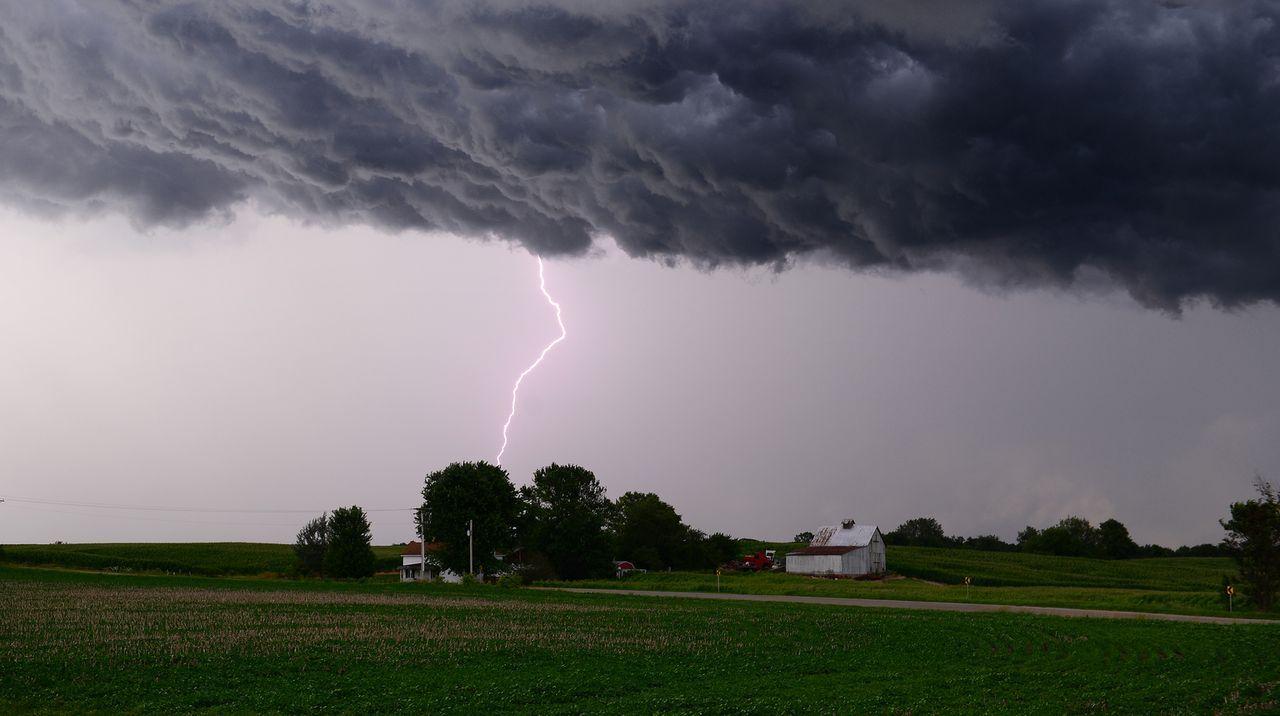 Dramatische Stürme wirken besonders anziehend auf die Tornado Hunter ...