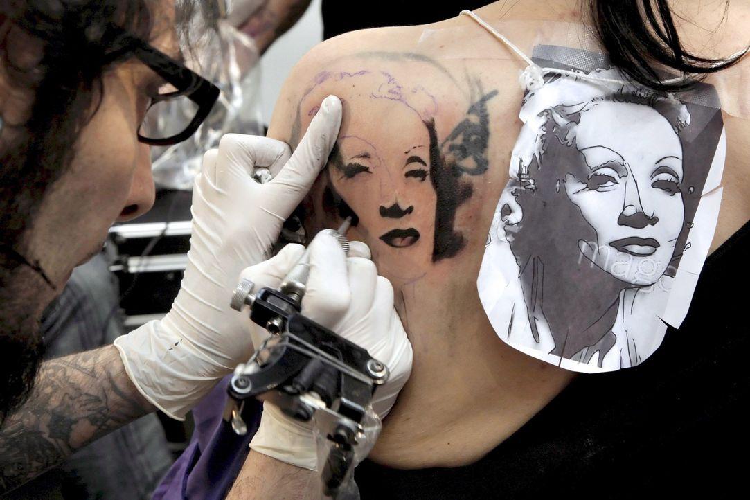 Tattoo17_dpa - Bildfunk - Bildquelle: dpa - Bildfunk