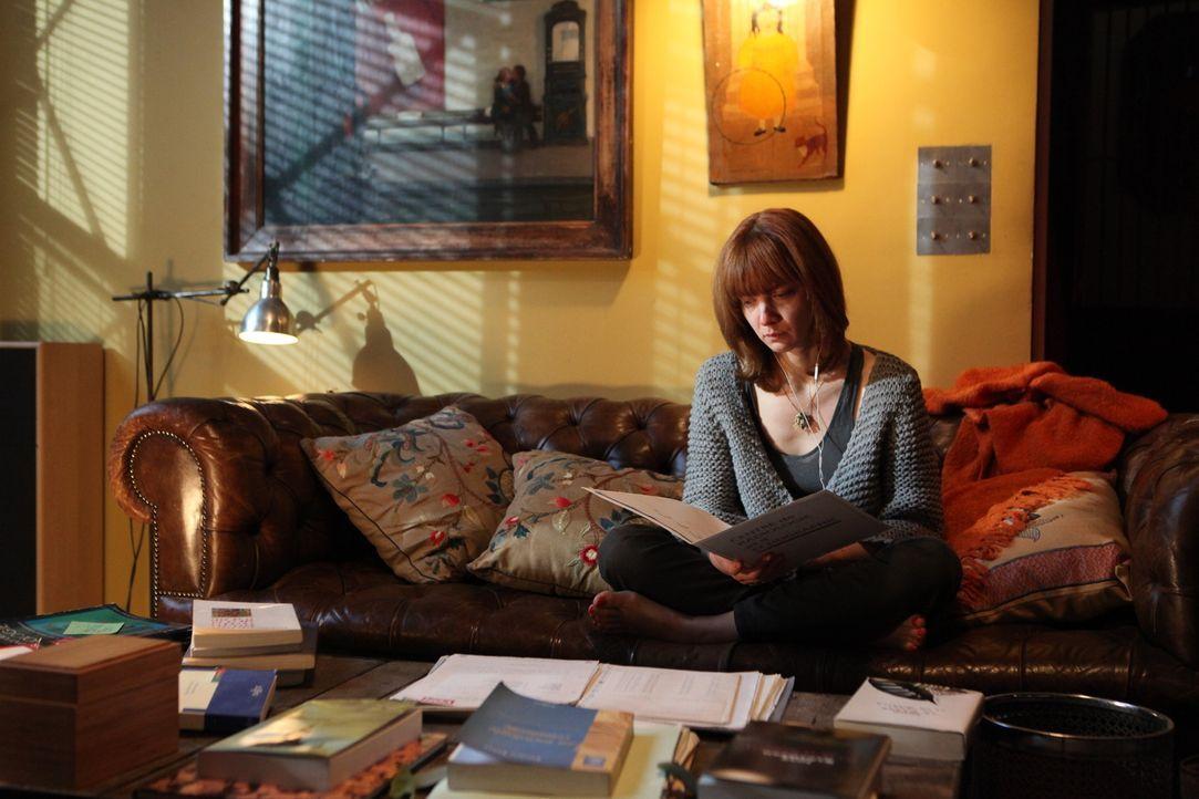 Kommt Chloé (Odile Vuillemin) wirklich ohne weiteres mit dem Verlust ihres Babys zurecht? - Bildquelle: Xavier Cantat 2011 BEAUBOURG AUDIOVISUEL