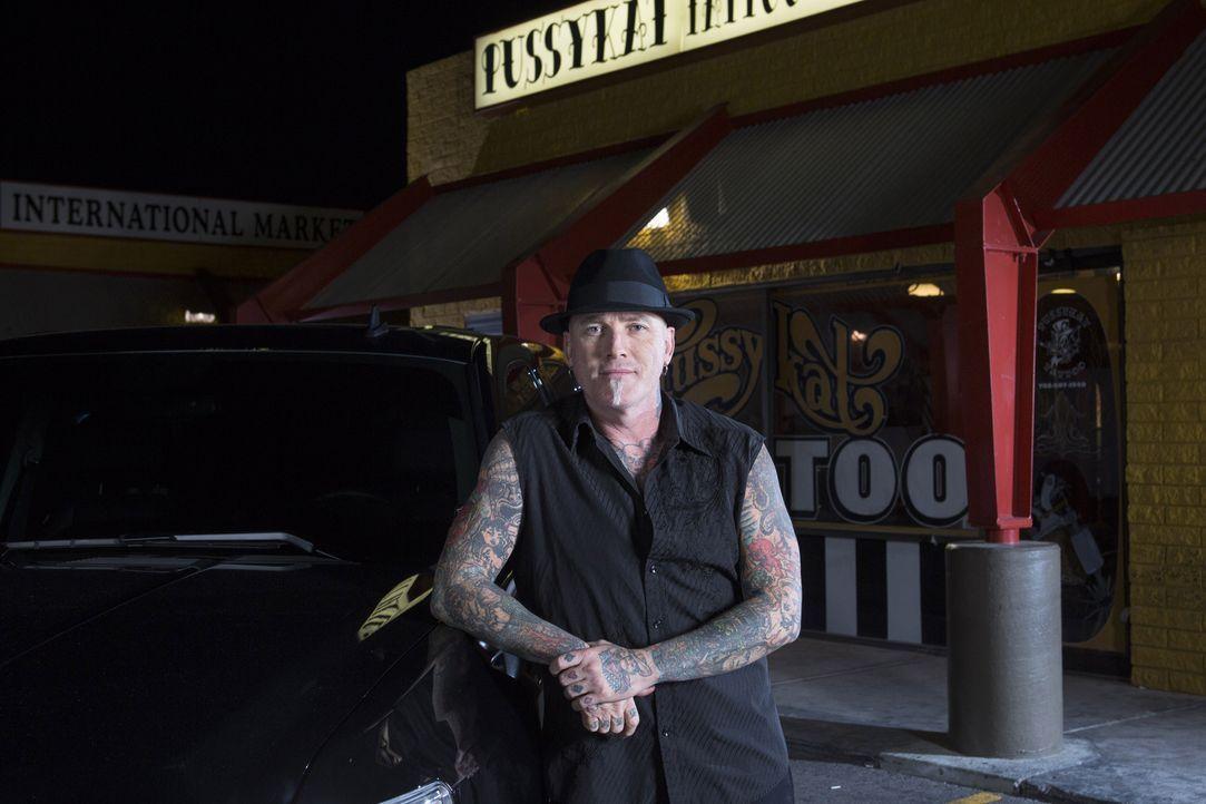 Dirk hat es sich zur Aufgabe gemacht, die Welt von schrecklichen Tattoos zu befreien und wo findet man mehr Tattoosünden als in Las Vegas? - Bildquelle: Richard Knapp 2014 A+E Networks, LLC