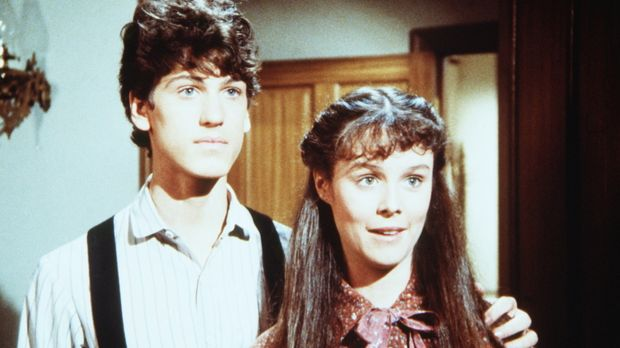 Willie Oleson (Jonathan Gilbert, l.) und Rachel Brown (Sherri Stoner, r.) wol...