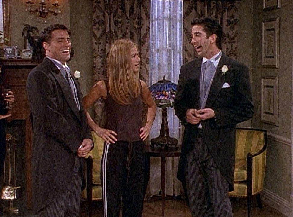 Ross (David Schwimmer, r.) ist verlegen: Seine Braut hat sich gleich nach der Trauung aus dem Staub gemacht. Rachel (Jennifer Aniston, M.) und Joey... - Bildquelle: TM+  2000 WARNER BROS.