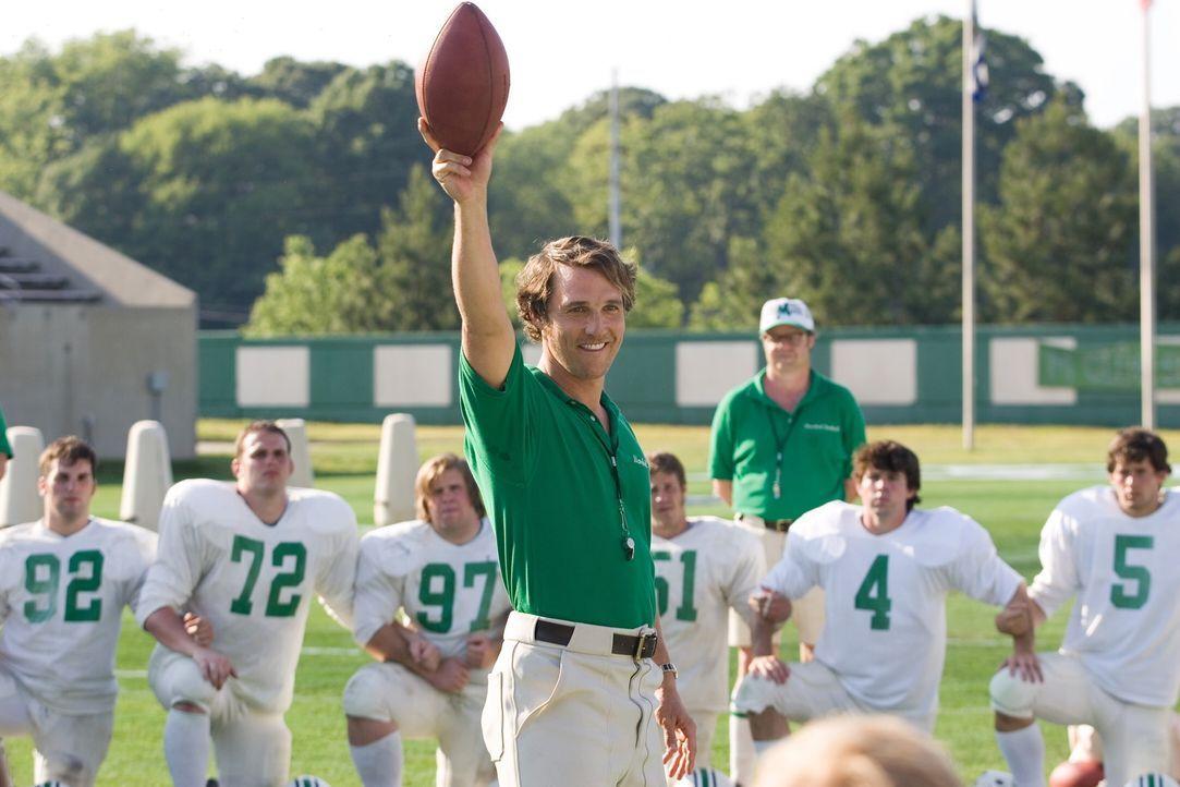 Uni-Präsident Dedmon will das Footballteam auflösen, doch die wenigen Überlebenden des Unglücks können ihn vom Gegenteil überzeugen. Mit Jack... - Bildquelle: TM &   2005 Warner Bros. All Rights Reserved.