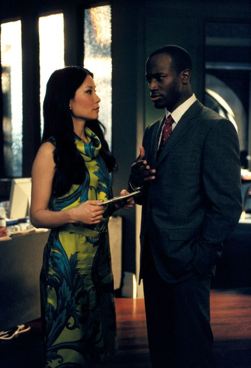 Sein neuester Fall treibt Jackson (Taye Diggs, r.) dazu, Ling (Lucy Liu, l.) ein Liebesgeständnis zu machen ... - Bildquelle: 2001 Twentieth Century Fox Film Corporation. All rights reserved.