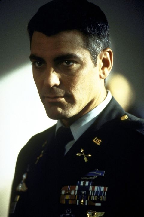 Colonel Thomas Devoe (George Clooney) arbeitet häufig mit unorthodoxen Mitteln  ... - Bildquelle: DreamWorks SKG