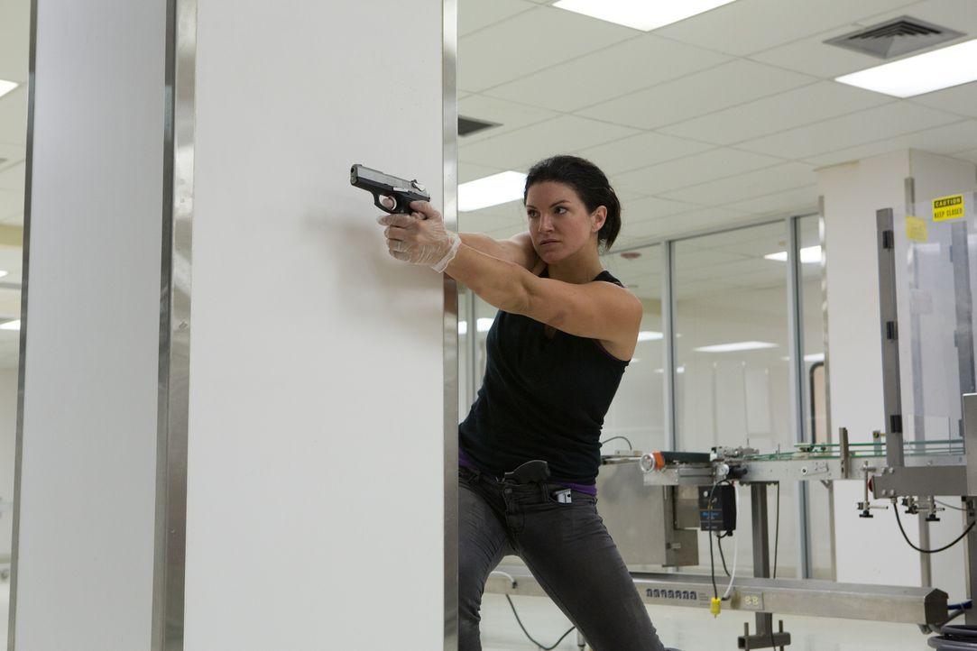 Jeder Schuss ein Treffer - knallhart und treffsicher knallt Ava (Gina Carano) ihre Gegner ab. Ein Blutbad nimmt seinen Lauf ... - Bildquelle: Francisco Roman ITB Productions, Inc.