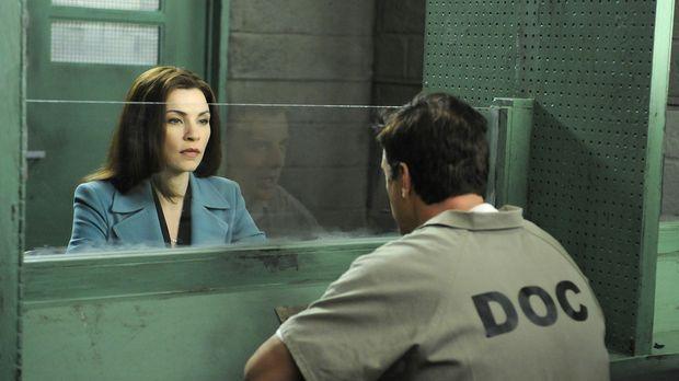 Peters (Chris Noth, r.) Widersacher Glenn Childs setzt Kalinda auf ihn an, wä...