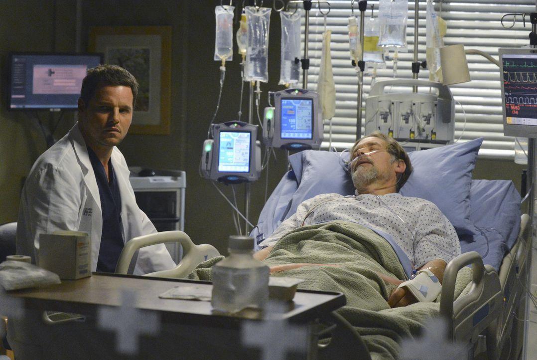 Nach und nach nähert sich Alex (Justin Chambers, l.) wieder seinem Vater Jimmy (James Remar, r.) an, der im Krankenhaus liegt ... - Bildquelle: ABC Studios