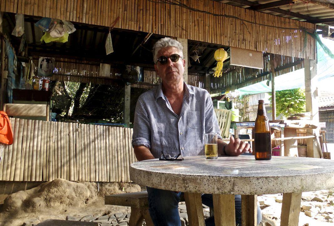 Seine nächste Reise führt Anthony Bourdain nach Thailand. Im Zentrum seines Trips stehen diesmal eindeutig das Essen und das Trinken! - Bildquelle: 2014 Cable News Network, Inc. A TimeWarner Company All rights reserved