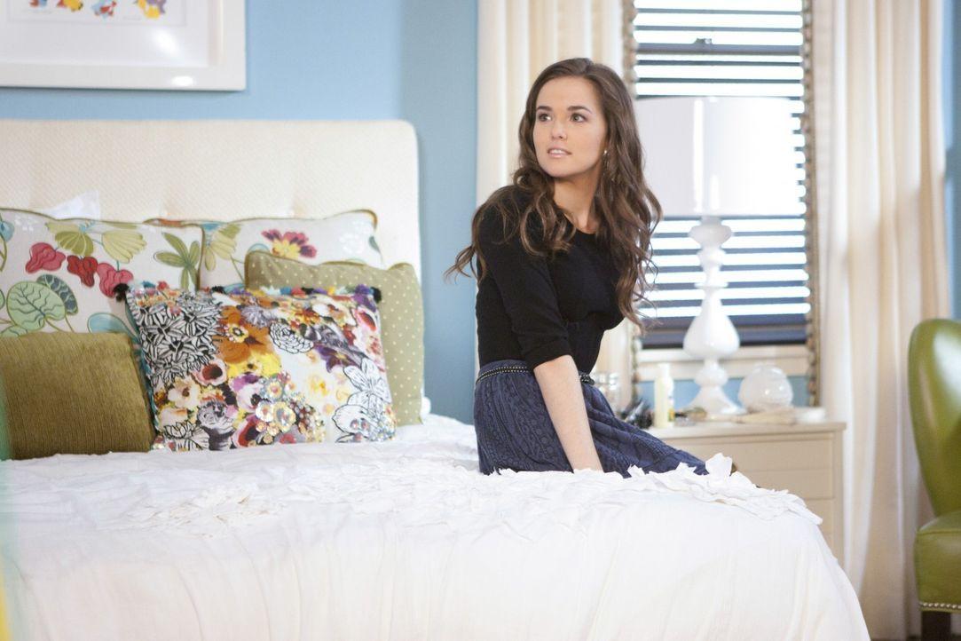 Wird Juliet (Zoey Deutch) doch noch einen Rückzieher machen und die Anklage gegen ihren Lehrer Mr. Carpenter fallenlassen? - Bildquelle: 2011 THE CW NETWORK, LLC. ALL RIGHTS RESERVED