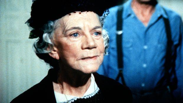 Großmutter Walton (Ellen Corby, l.) will ihre Freundin davon überzeugen, sich...