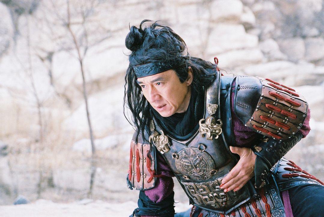 Aus dem ehrgeizigen Archäologen Dr. Jack Chan wird im Laufe der Expedition ein Teil der Geschichte: Er ist Meng Yi (Jackie Chan), ein loyaler Gener... - Bildquelle: Splendid