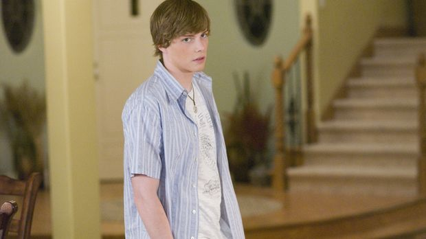 Als Silas (Hunter Parrish) erfährt, dass seine Mutter mit Drogenfahnder Peter...