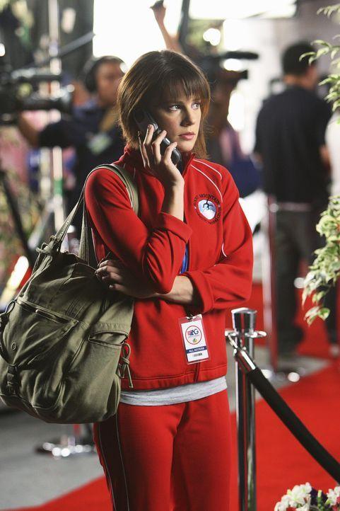 Emily (Chelsea Hobbs) ist zutiefst verunsichert, sie glaubt nicht an sich und hat immer wieder Visionen wie sie während ihrer Kür einen Unfall erl... - Bildquelle: 2009 DISNEY ENTERPRISES, INC. All rights reserved. NO ARCHIVING. NO RESALE.