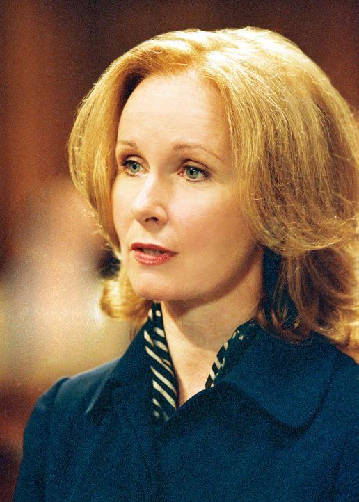 Überzeugt davon, dass der Kläger lügt, bereitet Anwältin Sara Miller (Kate Burton) alles für die Verhandlung vor. Da erhält sie ein psychologi... - Bildquelle: TM &   2006 CBS Studios Inc. All Rights Reserved.