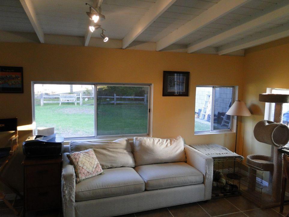 Neue Fenster, eine neue Balkontür sowie viele andere tolle Hingucker - ob die Familie mit den Umbauten zufrieden sein wird? - Bildquelle: 2012, DIY Network/Scripps Networks, LLC. All Rights Reserved.