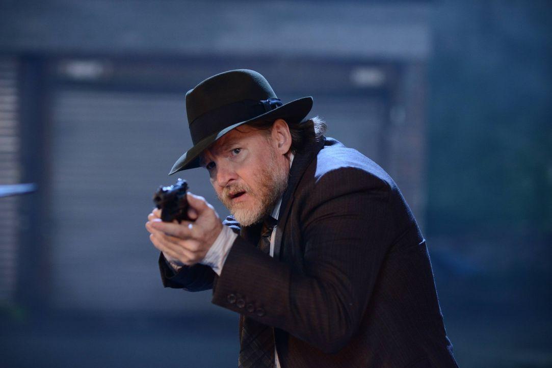Während Bullock (Donal Logue) versucht, das Böse zu bekämpfen, kommen neue Details über die Vergangenheit von Theo Galavan ans Licht ... - Bildquelle: Warner Brothers