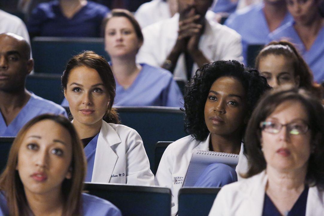 Nehmen gespannt an Amelias Vortrag teil: Jo (Camilla Luddington, M.l.) und Stephanie (Jerrika Hinton, M.r.) ... - Bildquelle: ABC Studios