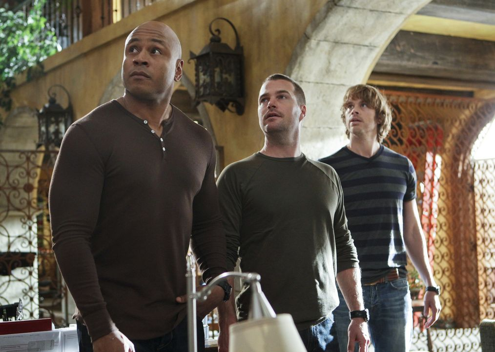 Versuchen alles, um die Unschuld ihrer Kollegin Kensi zu beweisen: Callen (Chris O'Donnell, M.), Sam (LL Cool J, l.) und Deeks (Eric Christian Olsen... - Bildquelle: CBS Studios Inc. All Rights Reserved.