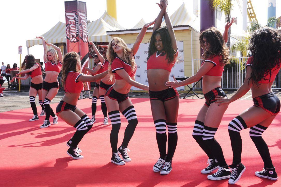 Für die High-Schools legt sich Ahsha (Taylour Paige, M.) ganz besonders ins Zeug, doch warum die Devil Girls auch für Germans High-School tanzen, ah... - Bildquelle: 2013 Starz Entertainment LLC, All rights reserved