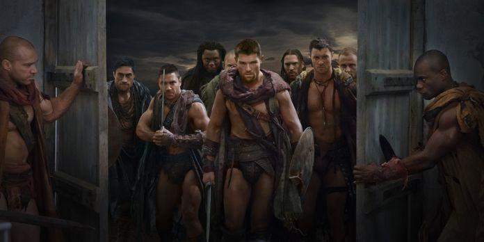 Spartacus: Vengeance - Als Crixus (Manu Bennett, 2.v.l.) erfährt, dass seine...