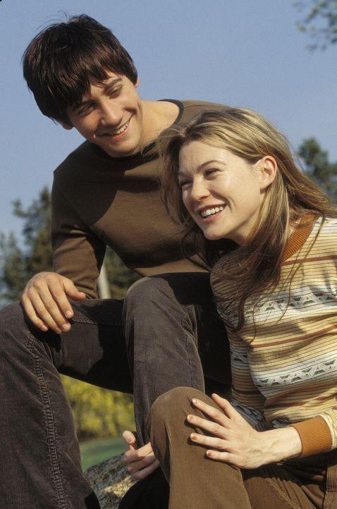 Durch die Liebe zu Bertie (Ellen Pompeo, r.) findet Joe (Jake Gyllenhaal, l.) wieder neuen Lebensmut ... - Bildquelle: Touchstone Pictures