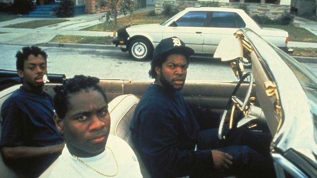 Dough Boy (Ice Cube, r.) macht mit seinen Boyz die Hood unsicher ... © Columb...