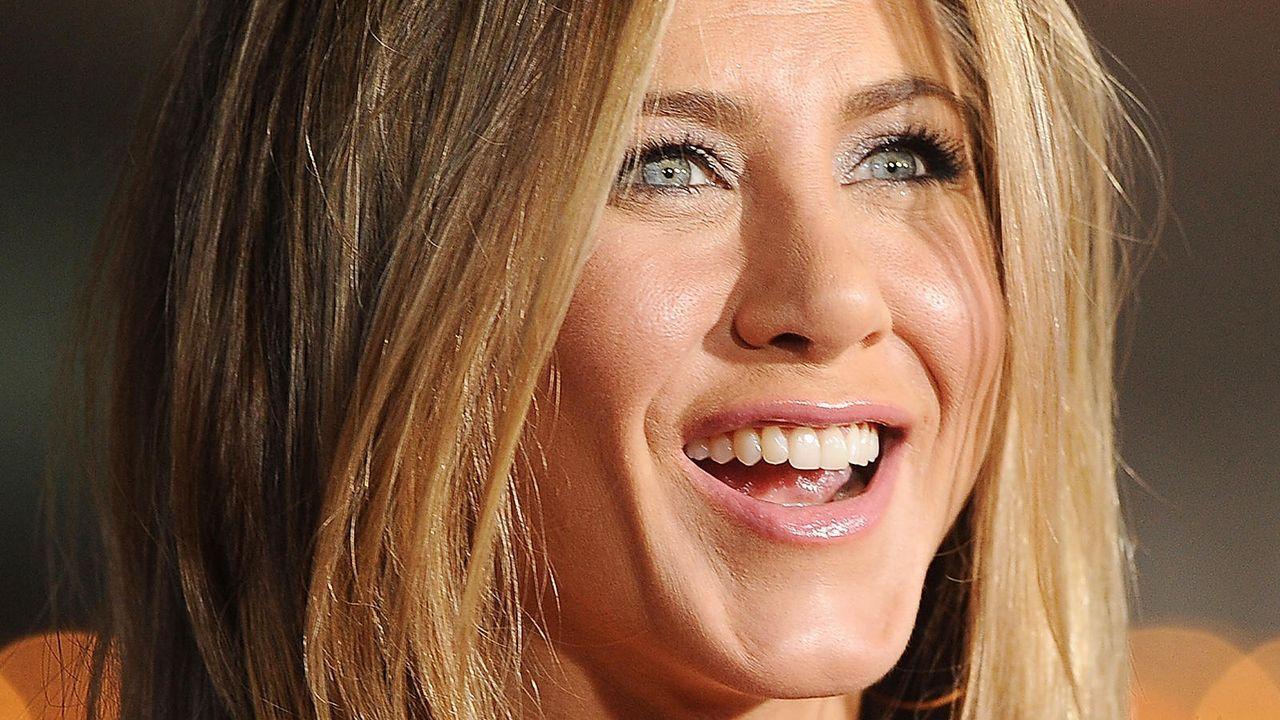 Jennifer Aniston  auf einer Premiere Anfang 2012 - Bildquelle: getty-AFP