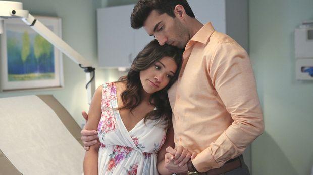 Freuen sich, das Geschlecht ihres Babys zu erfahren: Jane (Gina Rodriguez, l....
