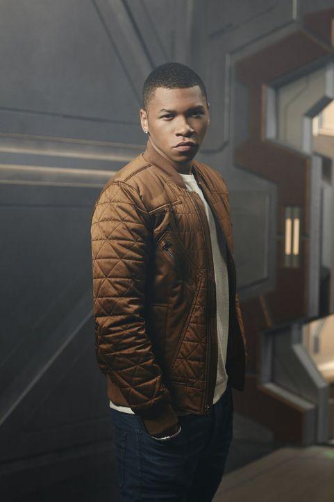 """(1. Staffel) - Wird sich Jefferson """"Jax"""" Jackson alias Firestorm (Franz Drameh) dazu hinreißen lassen, zusammen mit dem restlichen Team, durch die Z... - Bildquelle: 2015 Warner Bros."""