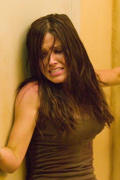 Schon bald treibt der Anhalter sein mörderisches Spiel mit Grace (Sophia Bush) und Jim ...