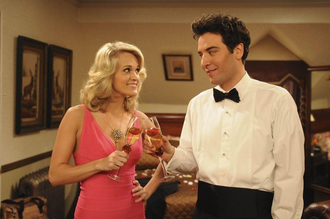 Ted (Josh Radnor, r.) steht total auf Tiffany (Carrie Underwood, l.) und würde alles für sie tun, sie interessiert sich jedoch nicht besonders fü... - Bildquelle: 20th Century Fox International Television