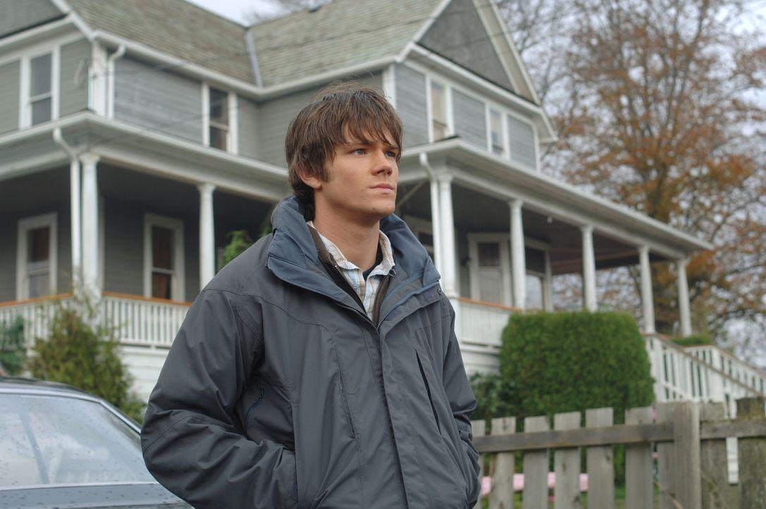 Sam (Jared Padalecki) sucht verzweifelt nach einer Möglichkeit, seinen Bruder zu heilen und findet Roy Le Grange, einen Wunderheiler, der sich für S... - Bildquelle: Warner Bros. Television