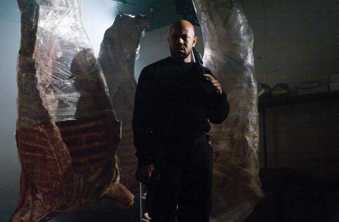 Schon bald wird Kane (Rockmond Dunbar) klar, dass die Außerirdischen, die sich in einem Supermarkt verschanzt haben, völlig unberechenbar sind ... - Bildquelle: 2007 Warner Bros. Entertainment INC.