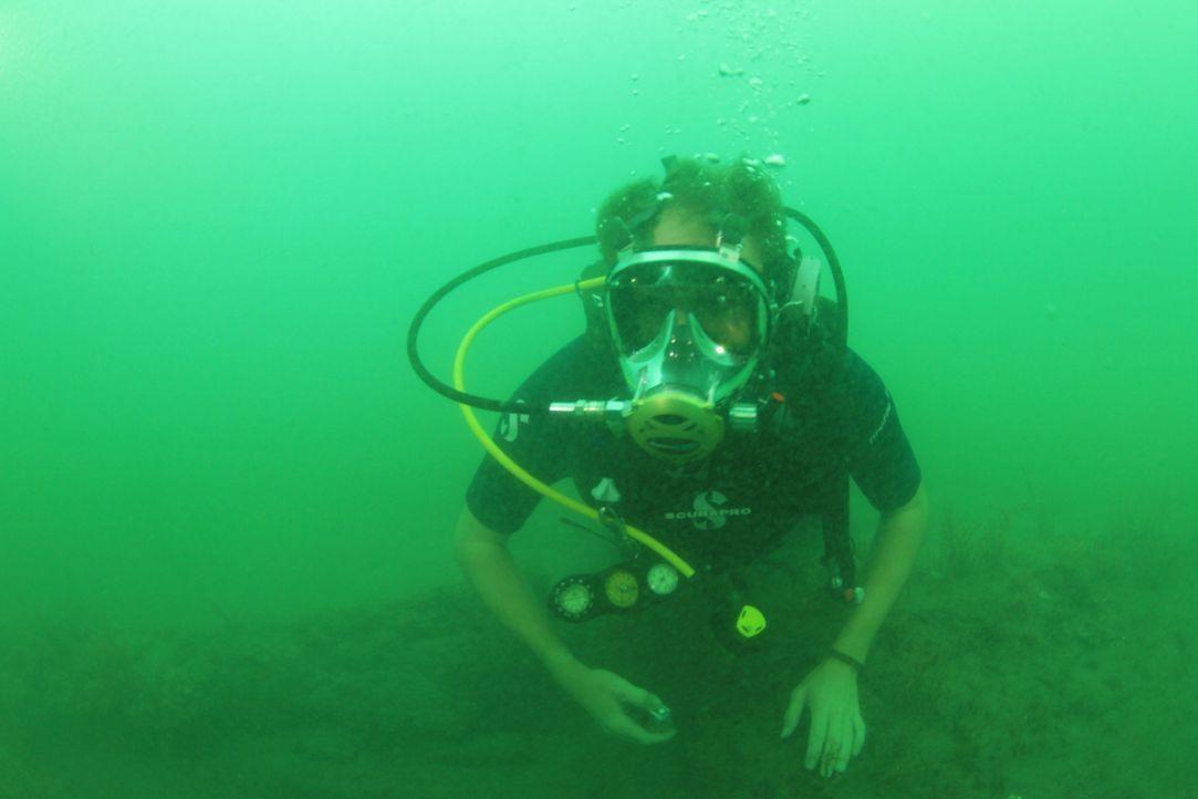 Josh geht diesmal auf Tauchgang: Im Lajas-Riff vor der Küste Pananmas fanden Archäologen ein Schiff des berühmten Piraten Captain Morgan - liegt hie... - Bildquelle: 2015, The Travel Channel, L.L.C. All Rights Reserved.