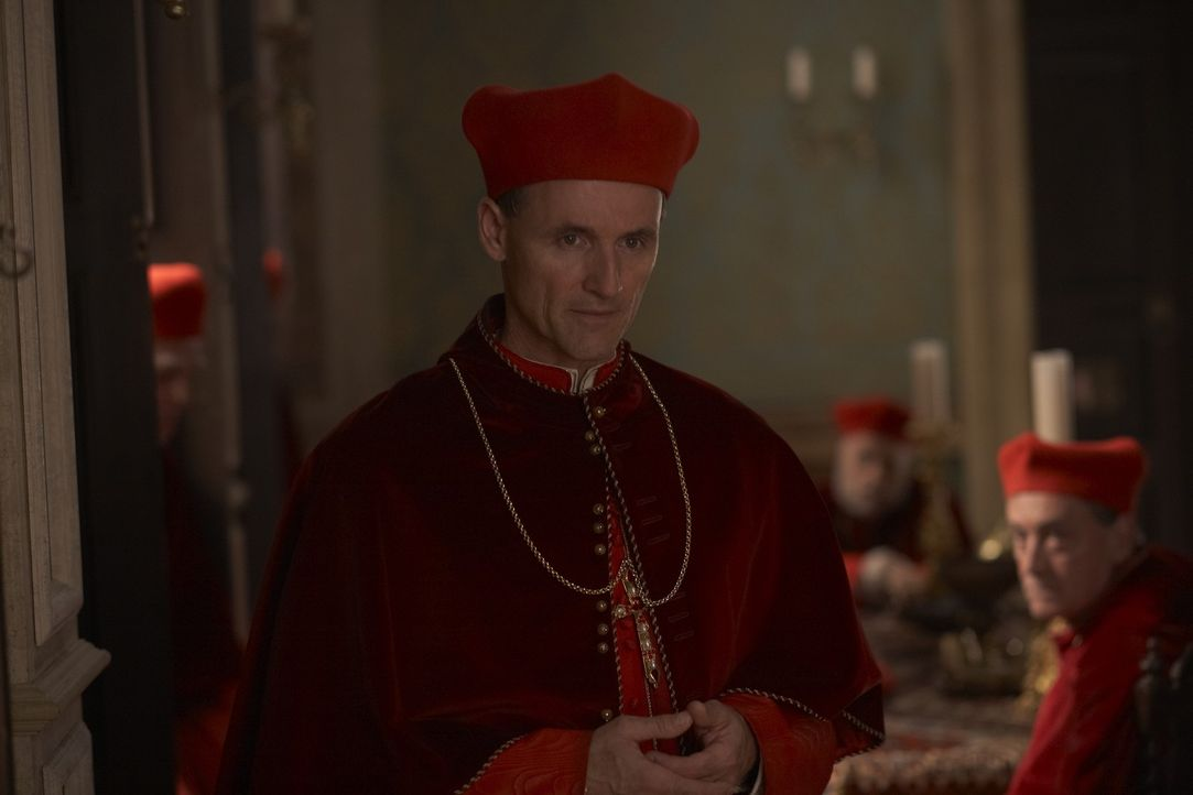 Wittert seine Chance, den Papst wegen Unzucht absetzen zu können: Kardinal Della Rovere (Colm Feore) ... - Bildquelle: LB Television Productions Limited/Borgias Productions Inc./Borg Films kft/ An Ireland/Canada/Hungary Co-Production. All Rights Reserved.