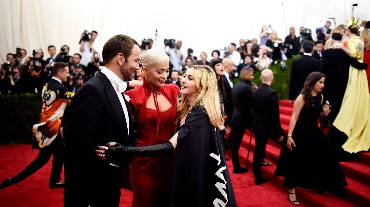 Met-Ball-Tom-Ford-Rita-Ora-Madonna-15-05-04-dpa - Bildquelle: dpa