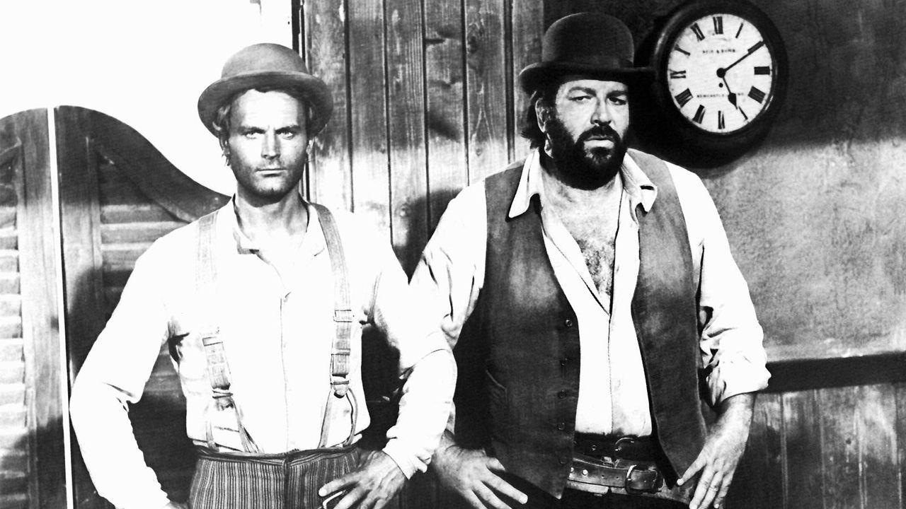 """Terence Hill und Bud Spencer in """"Vier Fäuste für ein Halleluja"""" - Bildquelle: dpa"""