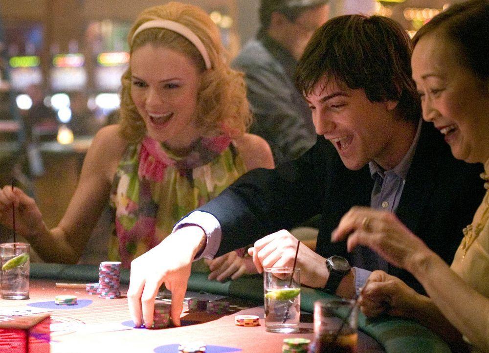 Zunächst läuft bei Ben (Jim Sturgess, M.) und Jill (Kate Bosworth, l.) alles wie geschmiert, doch dann geraten sie ins Visier von Cole Williams, d... - Bildquelle: CPT Holdings, Inc. All Rights Reserved.