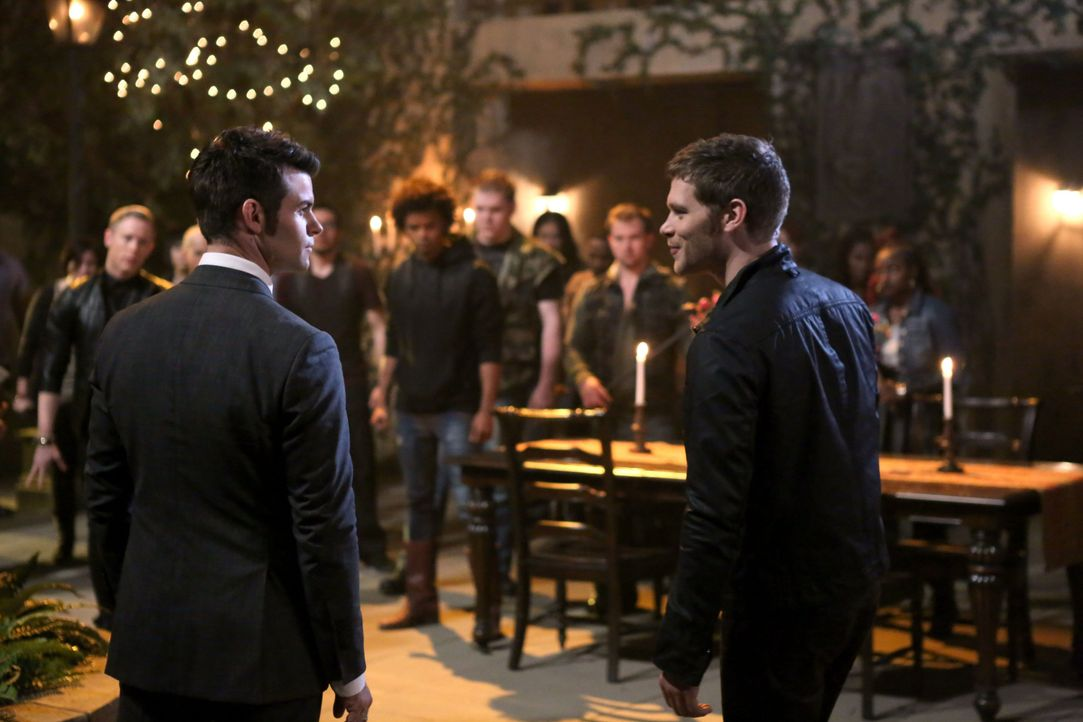 Klaus und Elijah - Bildquelle: Warner Bros. Entertainment Inc.