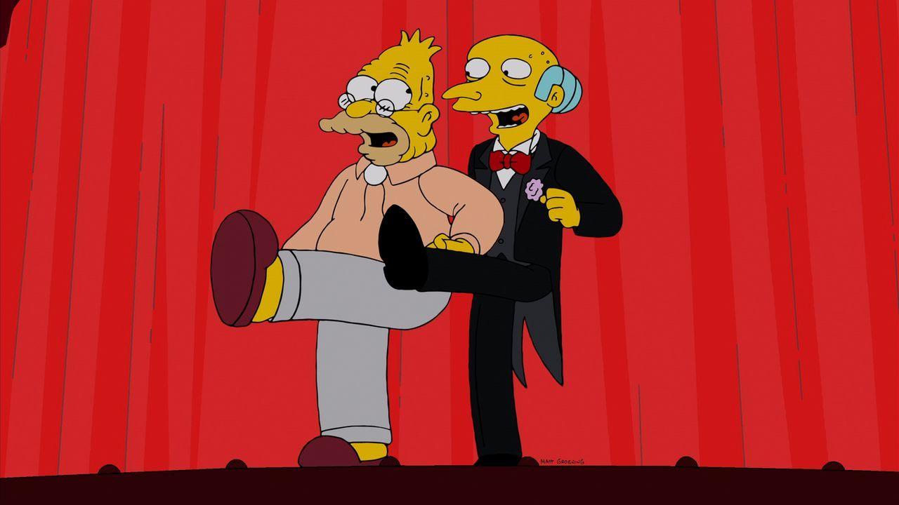 """Montgomery Burns (r.) war ein Bewunderer von """"Gorgeous Godfrey"""" und versucht nun, Grampa (l.) davon zu überzeugen, erneut in den Ring zu steigen ... - Bildquelle: und TM Twentieth Century Fox Film Corporation - Alle Rechte vorbehalten"""