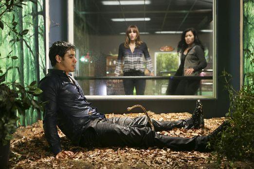 Scorpion - Walter (Elyes Gabel, l.) findet sich plötzlich in einer unerwartet...