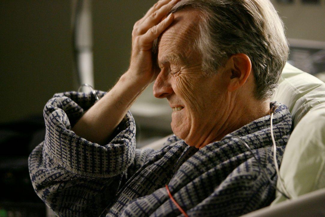 Soll das Herz seiner hirntoten Tochter erhalten: Jack Shandley (David Clennon) ... - Bildquelle: Touchstone Television