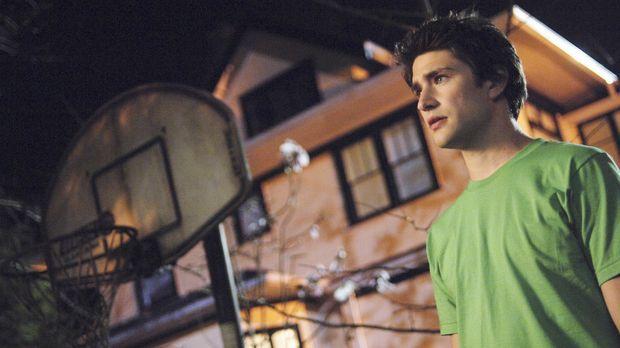 Kyle (Matt Dallas) wird mit dem menschliches Phänomen, der Lüge konfrontiert...